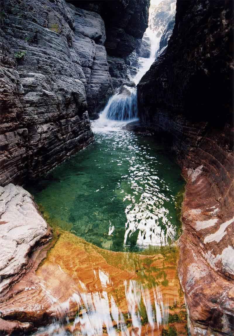 关山红石峡